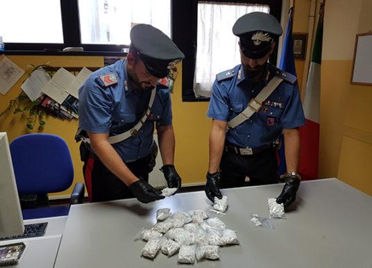 Massiccio sequestro di droga a Tor Bella Monaca e San Basilio, 1200 dosi trovate