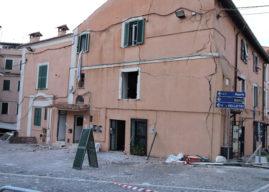 Esplosione a Genzano, due feriti gravissimi, sbalzati a 20 metri