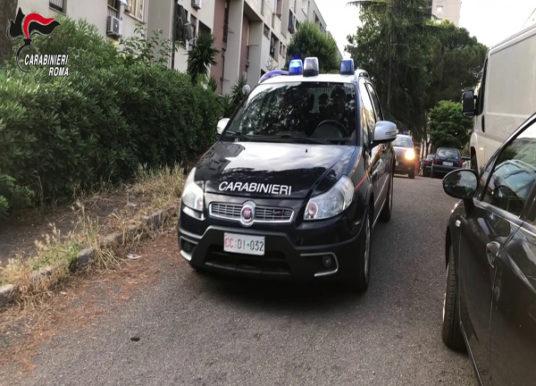 Roma, blitz dei carabinieri a Tor Bella Monaca, fermato un 15enne per spaccio