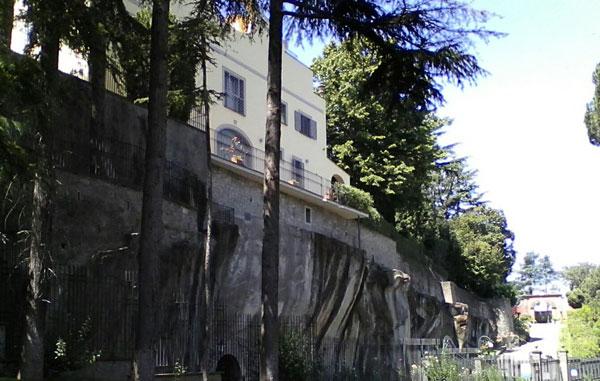 Rapina nella villa del parlamentare Antonio Angelucci