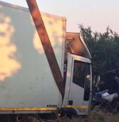 Incidente mortale sulla Nettunese: muore un 45enne, grave il figlio di 5 anni