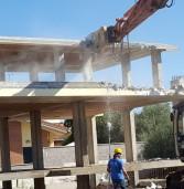 Marino: in demolizione una costruzione abusiva di Cava dei Selci