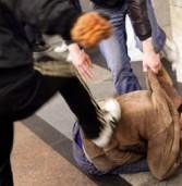 Baby-gang ruba una cassa bluetooth e poi chiede un rapporto sessuale per restituirla