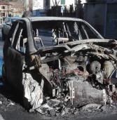 Ariccia, auto a fuoco a Galloro, 60enne salvato