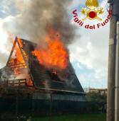 Anzio, riescono a fuggire dalla loro casa in fiamme