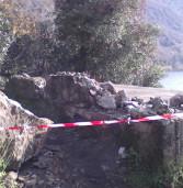 Castel Gandolfo, una roccia cade da un dirupo. Zona del lago interdetta