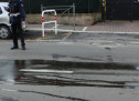 Ciampino, ciclista sbatte contro lo sportello di un'auto. Ora è grave
