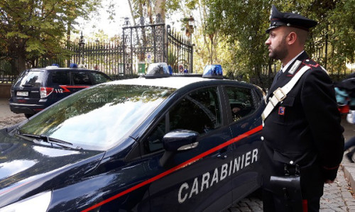 piazza-dante-i-controlli-dei-carabinieri