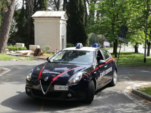 i-carabinieri-intervenuti-al-cimitero-di-prima-porta-3