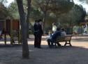 Banda di pusher beccata a spacciare cocaina in un parco giochi per bambini