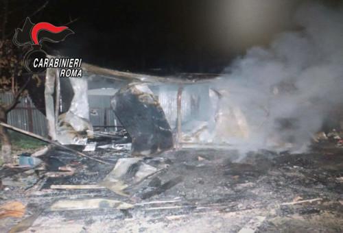 170518-tivoli-il-container-distrutto-dalle-fiamme-nel-corso-del-raid-2