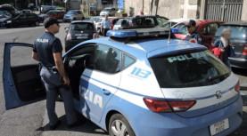 Ariccia, la polizia ferma un motociclista in fuga. Addosso aveva marijuana