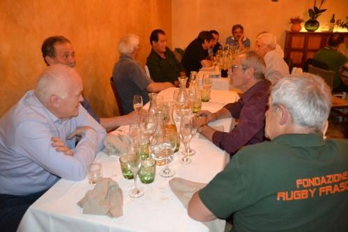 una-parte-dei-presenti-alla-cena-dei-grandi-ex-giocatori-del-rugby-frascati