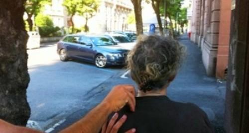 violenta-rapina-a-una-vecchietta